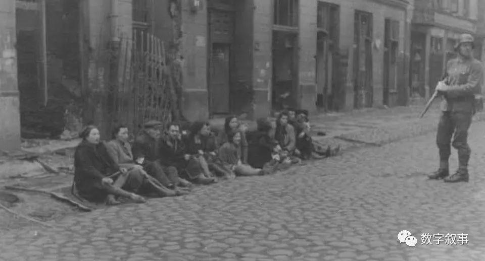 研究人员将一张1943年华沙犹太区的照片变成VR体验